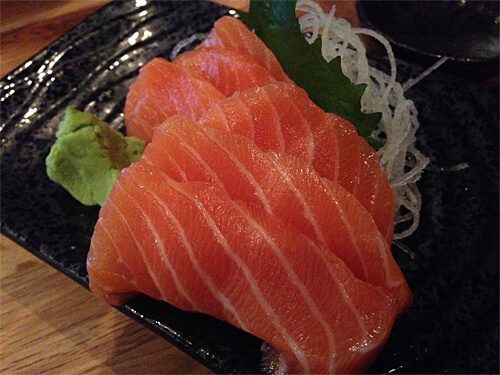 Salmon sashimi (6 pc) - $9.95