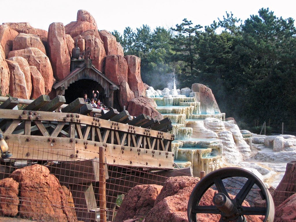Big Thunder Mountain Railroad Disneyland Frontier Land Ride Amusement Park