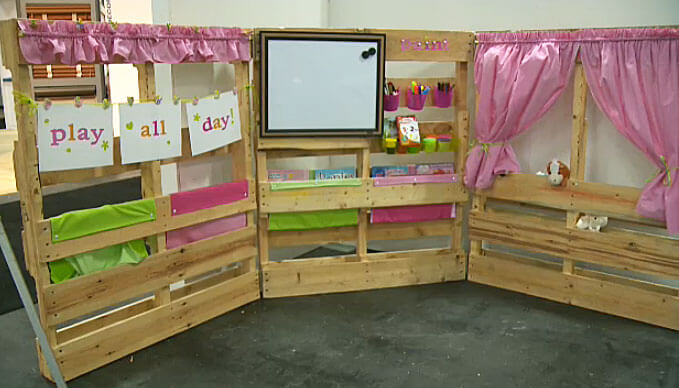 Erin's AMAZING kids play area made out of wooden pallets for the Edmonton Home + Garden Show!