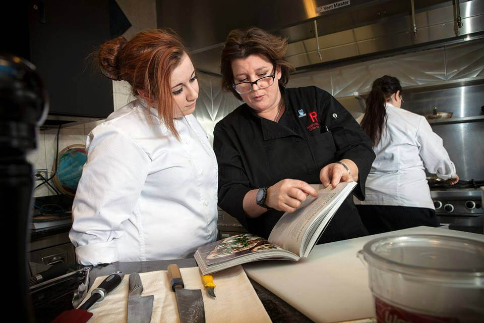 NAIT Chef in Residence Lynn Crawford teaching Culinary students. Photo Credit: NAIT/Leigh Frey.