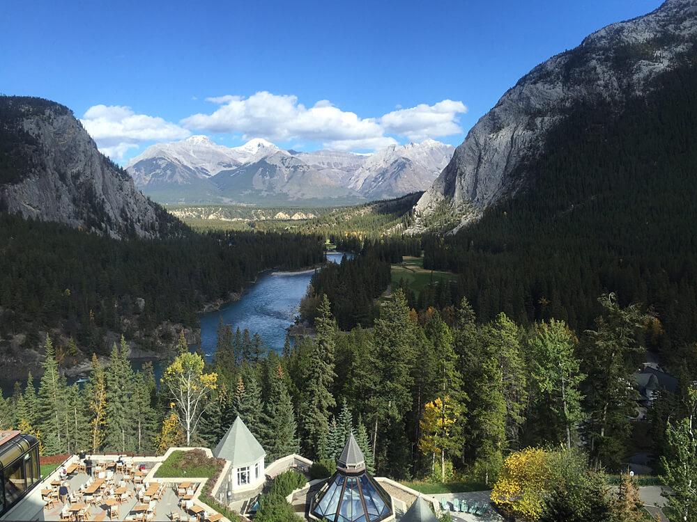 Banff - Fairmont Banff Springs Hotel - Explore Alberta
