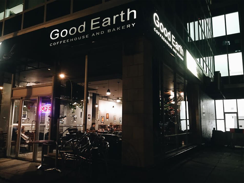 Edmonton - Good Earth Coffeehouse and Bakery