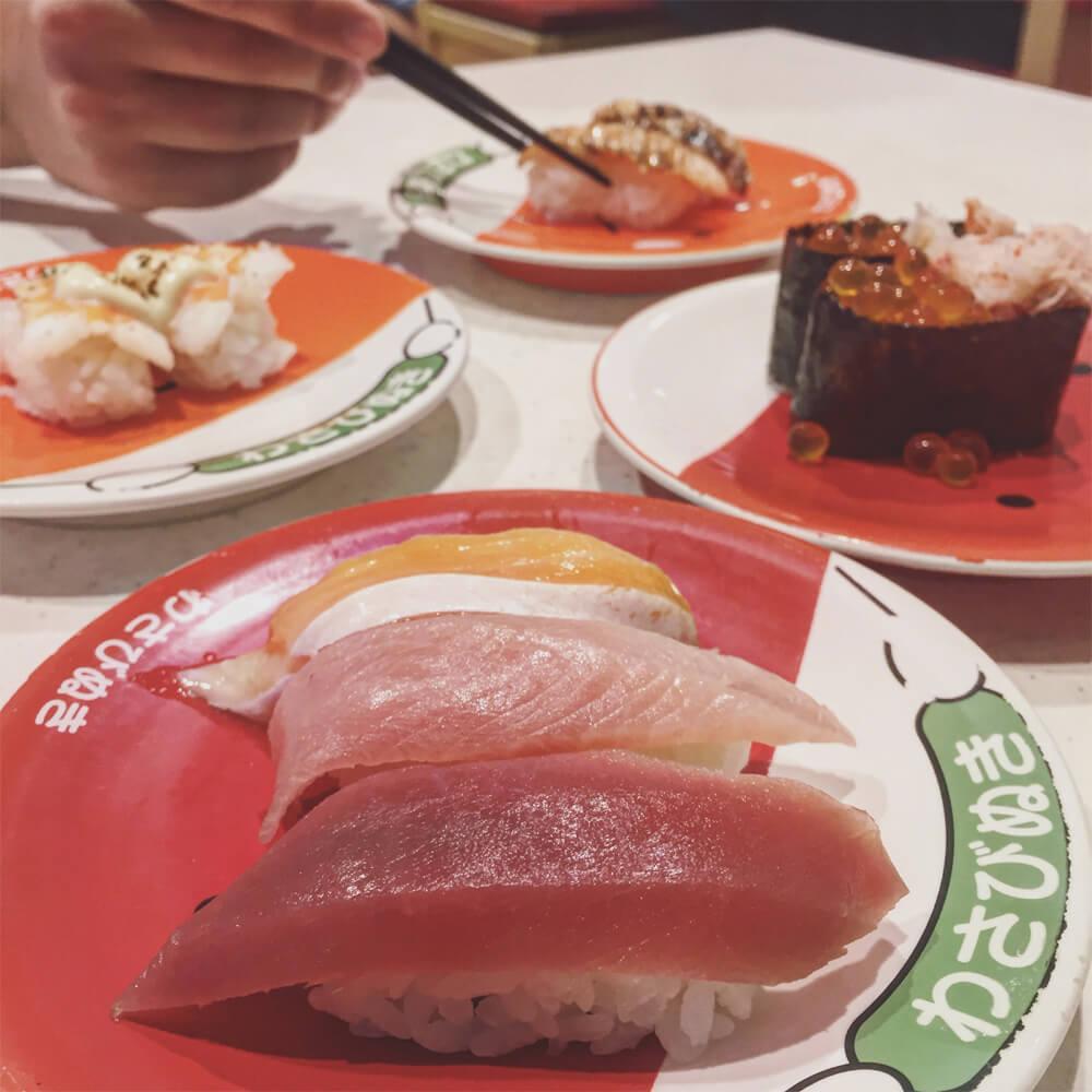 Travel Japan - Guide to Japan - Conveyer Belt Kaitenzushi Sushi Tokyo