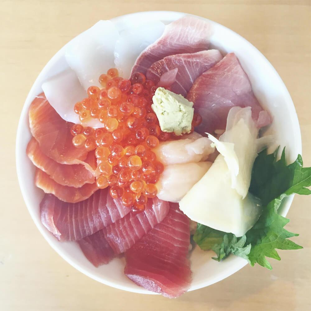 Travel Japan - Guide to Japan - Tsukiji Fish Market