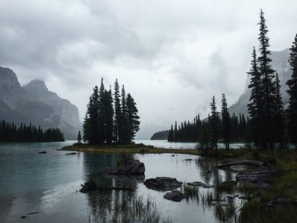 Travel Jasper - Explore Alberta - Canadian Rockies - Maligne Lake Cruise