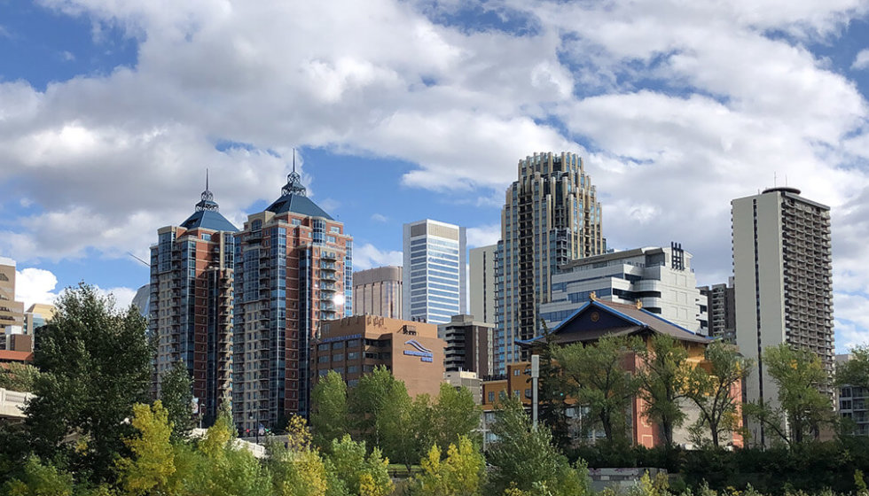 Explore Alberta - Capture Calgary - Weekend in Calgary - Where to Stay - What to Eat - What to Do