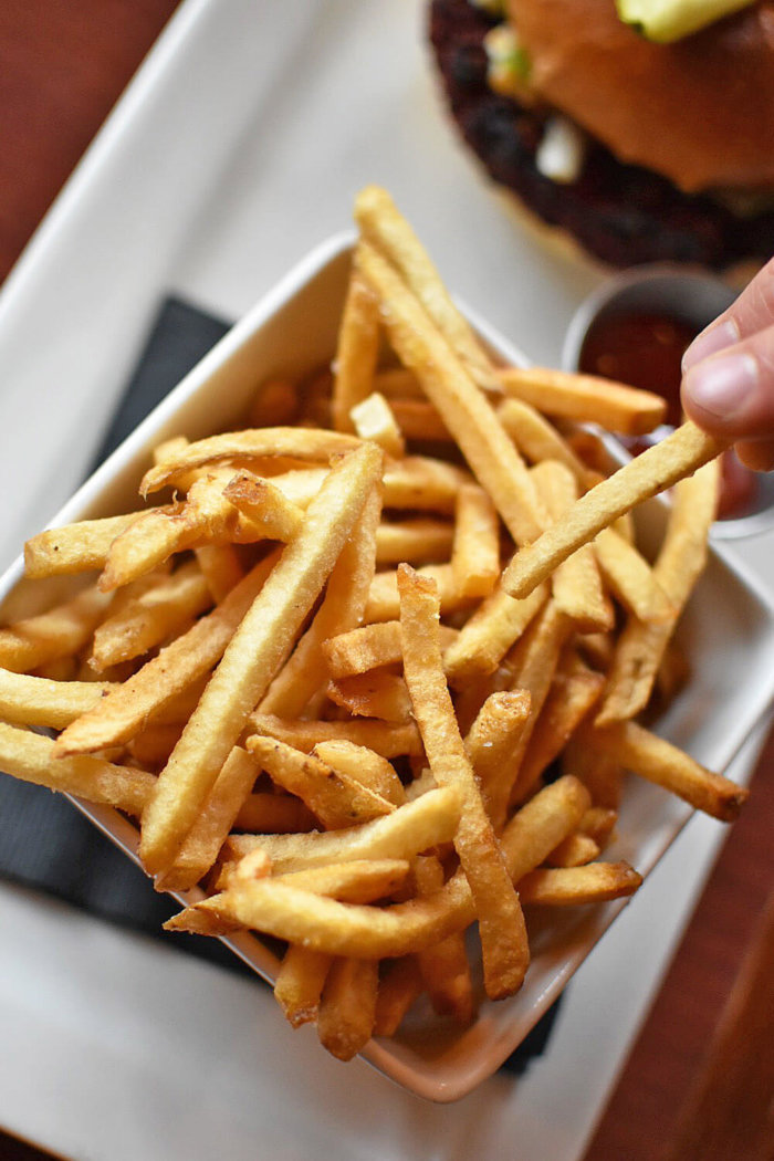 Truffle Pigs Bistro & Lounge Field British Columbia - Explore BC - Travel Alberta - Mountain Village - Skinny Fries