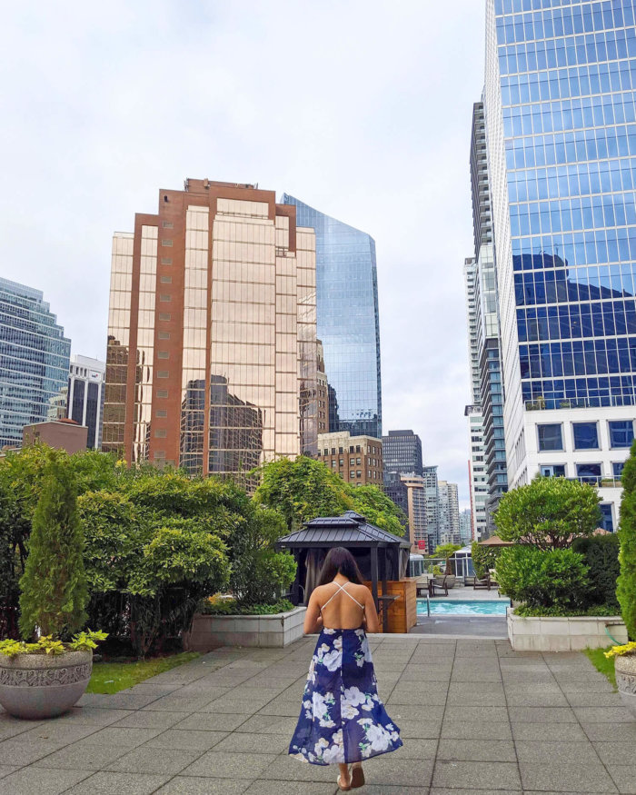 Instagrammable Vancouver - Picture Perfect Spots in Vancouver British Columbia - Murals - Scenic - Hello BC - Travel Guide - Fairmont Waterfront Outdoor Pool