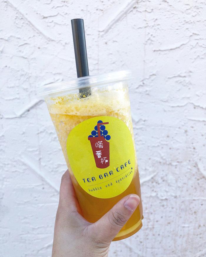 Food Crawl - 4 Places to Eat in Edmonton Chinatown - Tea Bar Cafe Bubble Tea