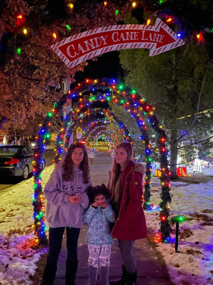 Free Festive Outdoor Light Experiences - Christmas Lights - Edmonton Area - Elliot Place St Albert Candy Cane Lane