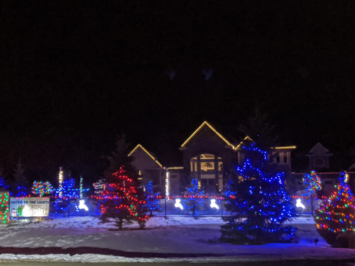 Free Festive Outdoor Light Experiences - Christmas Lights - Edmonton Area - Spruce Grove Parkland County Musical Lights House