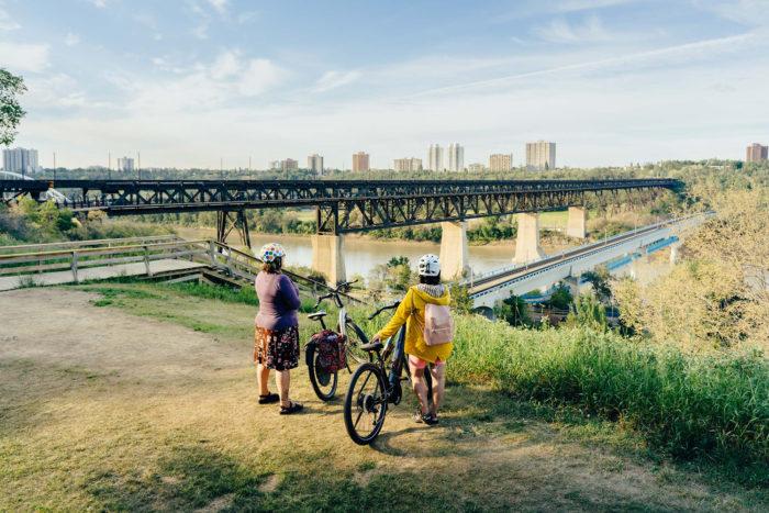 Biking Edmonton - Bike Alberta - Explore Canada - Explore Edmonton - ZenSeekers - Cycling in the City - Edmonton Food Landmarks Neighbourhoods - High Level Bridge 2