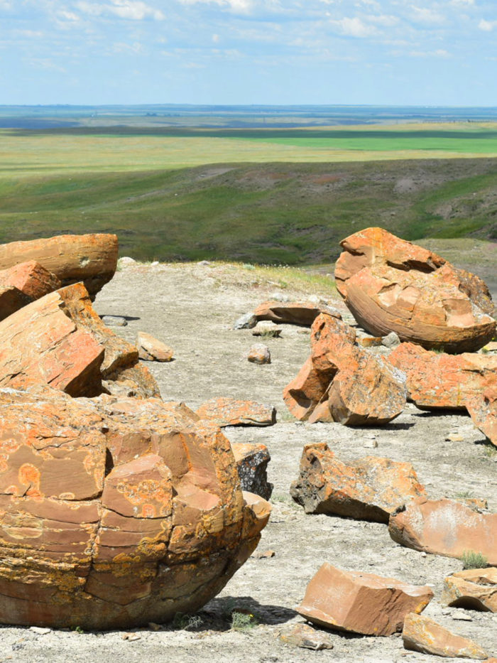 Explore Alberta - Travel - Medicine Hat - Southern Alberta - Downtown - Esplanade - Downtown - Red Rock Coulee Natural Area 3
